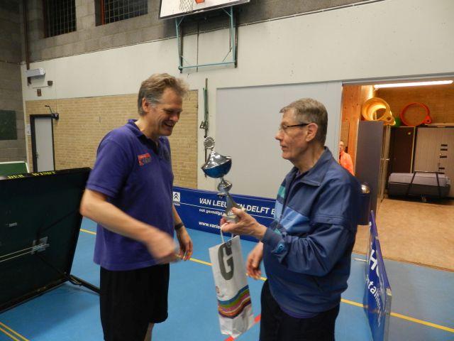 Clubkampioen Ernst wordt gehuldigd